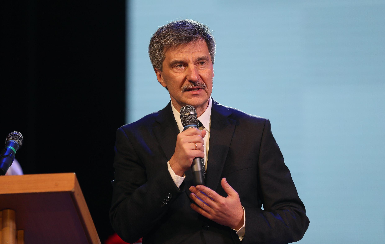 Сергей Аксёнов поздравил преподавателей и студентов Крымского медицинского колледжа со 100-летием его основания